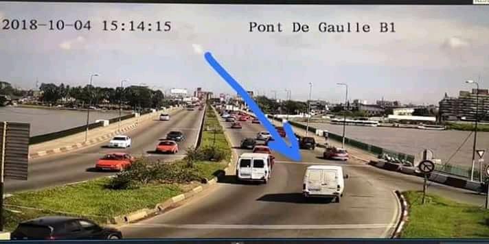 Accident : Affaire une  véhicule plonge dans la lagune, on ne sait plus si c'est un gbaka ou une fourgonnette ?