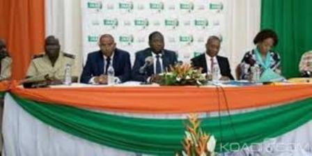 Agriculture  (Adzopé): ''Journée de l'administration agricole''  Le corps préfectoral dépeint la misère des planteurs