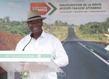 Côte d'Ivoire: DESENCLAVEMENT DE REGION DE LA REGION DE LA ME LE CHEF DE L'ETAT INAUGURE LA ROUTE ADZOPE-YAKASSE- ATTOBROU ET POSE LA PREMIERE PIERRE DU C.H.R