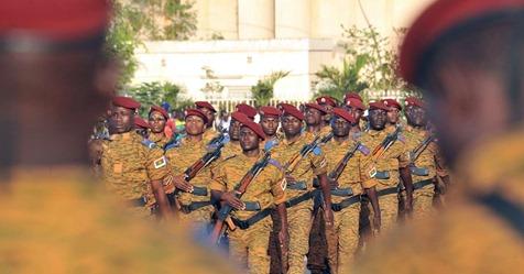 C'est l'abattoir » : face aux attaques terroristes, la colère monte chez les militaires burkinabés