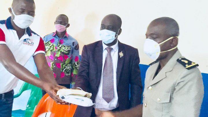 Danané : Une semaine après l'incendie du marché central,  Drogba Didier et  autres apportent leur soutien.