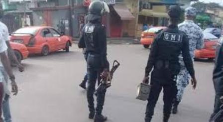 Coronavirus(Côte d'Ivoire) : La répression contre les maquis continue ,des casiers de bières et un gérant emportés par la police du 37 e à Abobodoumé